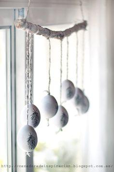 Para esta Pascua mi idea era decorar un poco la ventana de nuestro comedor. На эту Пасху мне захотелось украсить окошко воз...