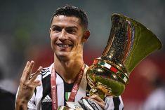 Cristiano Ronaldo est l'unique footballeur à avoir remporté l'intégralité des trophées nationaux en Angleterre, Espagne et Italie ! Portugal National Team, One Last Dance, Cristiano Ronaldo Juventus, Manchester United, The Unit, The Incredibles, Sports, Unique, World