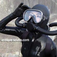 Under   water   Photographer  &  Scuba   Evangelst Scuba Wetsuit, Diving Wetsuits, Diving Suit, Scuba Diving, David Beckham Suit, Diving Lessons, Running Pictures, Mask Girl, Scuba Girl