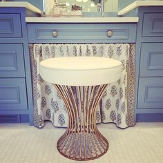 "625 Likes, 17 Comments - Summer Thornton (@summerthorntondesign) on Instagram: ""A sweet moment in a clients' new bath! #bath #blue #interiordesign #pursuepretty #flashesofdelight…"""