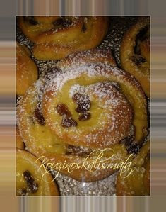 Sweet Buns, Sweet Pie, Greek Desserts, Greek Recipes, Mediterranean Breakfast, Mini Cheesecakes, Afternoon Tea, Food To Make, Biscotti