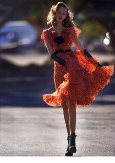 Frida Gustavsson in The Street Issue by Hans Feurer for Antidote Magazine Spring Summer 2013 Vintage Photography Women, Fashion Photography, Woman Photography, Vestidos Vintage, Vintage Dresses, Estilo Gatsby, Mode Pin Up, Frida Gustavsson, Mode Editorials