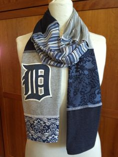 Detroit Tigers... classic D... scarf