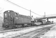 An early Pennsylvania Railroad ballast cleaning train, photographed somewhere on the New York division in 1933. Description from railroad.net.…