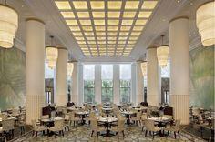 Une décoration d'intérieure splendide par Pierre-Yves Rochon  Décoration de luxe, hotel design, tendances déco   Pour voir d'autres astuces en design : brabbu.com/products