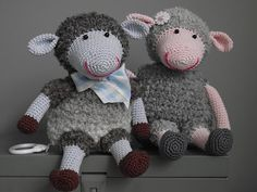 From willewopsie, out there is a sheep . I LOVE her work!