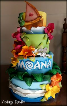Hawaiian Birthday Cakes, Luau Birthday, Disney Birthday, Girl First Birthday, Birthday Ideas, Moana Birthday Party Theme, Moana Themed Party, Moana Party, Bolo Da Minnie Mouse