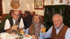 Prosit! Goldi und Gerwald Mandl hoben mit Präsident Tim Cole die Gläser