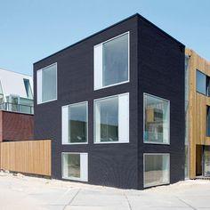 V35K18, Nieuw Leyden - private house