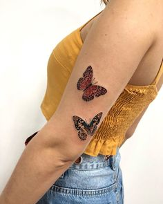 Tatuagens femininas 2019: 220 tendências para você decidir a sua Sweet Tattoos, Cute Tattoos, Beautiful Tattoos, Body Art Tattoos, Tattoo Drawings, New Tattoos, Different Tattoos, Piercing Tattoo, Meaningful Tattoos