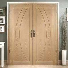 Salerno Oak Flush Panel Door Pair, modern looks, stylish, solid and a nice range of sizes. #moderndoorpair #doubledoors #internalfrenchdoors