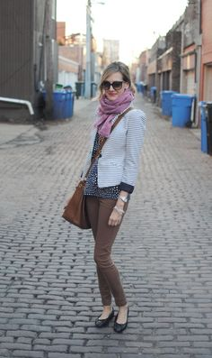 sweet little outfit! just discovered this stylin girls blog!