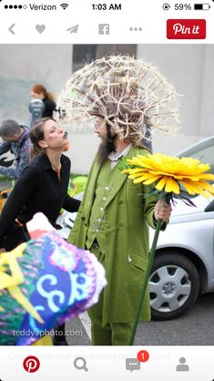 Dandelion costume Ok I pinned this but how is it made? Would be great on the Garden Float. All gardens must have a weed or two!