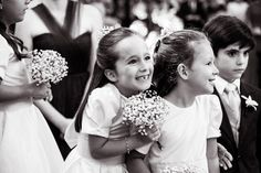 Dama de honra e pajem do casamento de Ana Carolina e Pedro, publicado no Euamocasamento.com. As fotos são de Ricardo Gomes. #euamocasamento #NoivasRio #Casabemcomvocê