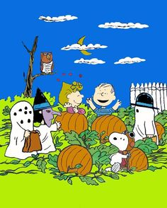 Peanuts Gang Halloween! See also #halloween wallpapers and screen savers www.ghostlyhalloween.com/screensavers/halloween-screensavers1.php
