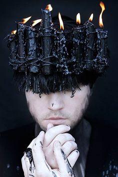 New fashion photography dark headdress 49 Ideas Costume Marron, Breathing Fire, Male Witch, Foto Art, Dark Fashion, Trendy Fashion, Photomontage, Headgear, Dark Fantasy