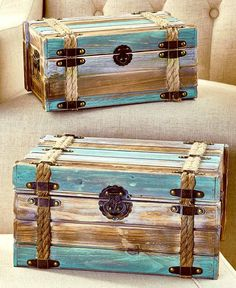 Recycled Pallets Ideas Sets of 2 Wood Pallet Trunks Easy Woodworking Projects, Diy Pallet Projects, Pallet Ideas, Wood Projects, Woodworking Plans, Workbench Plans, Used Pallets, Recycled Pallets, Wooden Pallets