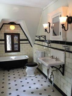 1920s Bathroom, Art Deco Bathroom, Victorian Bathroom, Upstairs Bathrooms, Vintage Bathrooms, Dream Bathrooms, Beautiful Bathrooms, Bathroom Interior, Small Bathroom