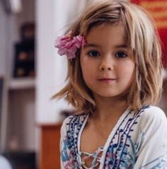The most beautiful haircuts for girls Little Girl Haircuts, Cute Hairstyles For Short Hair, Pixie Hairstyles, Curly Hair Styles, Kids Haircut Styles, Beautiful Haircuts, Lob Haircut, Long Hair Cuts, Hair Beauty