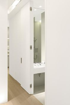 Concealed hinges are visible in the door and frame when the door is open. The Tectus Concealed Hinges are available in several premium finishes to match door hardware. Concealed Door Hinges, Hidden Hinges, Hidden Doors, Hall Bathroom, Bathroom Doors, Bathrooms, Interior Door Hinges, Door Jamb, Door Design