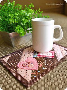mug rugs | mug rug } | Flickr - Photo Sharing! Via http://www.flickr.com/photos/gipottker/5385286016/ I love her colors..this mug rug just screams Love