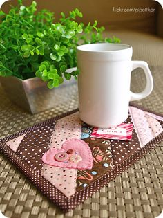 mug rugs | mug rug } | Flickr - Photo Sharing! Via http://www.flickr.com/photos/gipottker/5385286016/