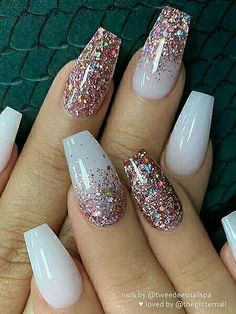 nail art designs with glitter ~ nail art designs ; nail art designs for spring ; nail art designs for winter ; nail art designs with glitter ; nail art designs with rhinestones Nail Design Glitter, Nail Design Spring, Nails Design, White Acrylic Nails With Glitter, Glitter Nail Art, White Sparkle Nails, White And Silver Nails, White Nail Art, White Acrylics