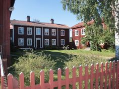 Gästgivars, Vallsta - Gästgivars, Vallsta decorated Farmhouses of Hälsingland, a Hälsingland farm (Hälsingegård) or timber house, and UNESCO World Heritage Site since 2012 in Sweden