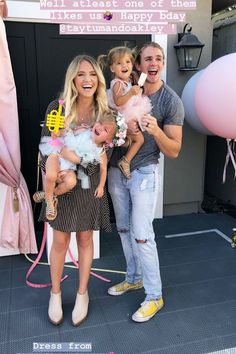 My phone was charging and the sound quality was just Savannah Rose, Cole And Savannah, Savannah Chat, Cute Little Girls, Cute Baby Girl, Cute Kids, Cute Family, Beautiful Family, Tatum And Oakley