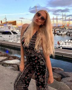 So it at last occurred! You need to experiment with boho chic outfit, correct? On the off chance that you are in, at that point I are very brave the best… Gypsy Style, Bohemian Style, Bohemian Fashion, Boho Chic, Hippie Boho, Boho Gypsy, Burning Man Outfits, Bohemian Lifestyle, Boho Outfits