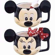 Canecas Minnie e Mickey   ... Receitinhas e Viagens ... #disney #canecas #canecascriativas Disney Furniture, Minnie Mouse Mug, 21st Birthday Decorations, Biscuit, Disney Cups, Bedroom Wall Designs, Minion Birthday, Disney Kitchen, Cute Kitchen