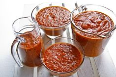 Aromatic and totally delicious, this homemade marinara sauce flavored with garlic and basil is a classic sauce recipe that can be used in so many ways! Homemade Marinara, Homemade Sauce, Homemade Pasta, Snack Recipes, Cooking Recipes, Marinara Sauce, Pasta Dishes, Italian Recipes, Favorite Recipes