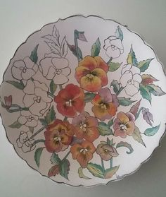 Pottery Plates, Ceramic Plates, Ceramic Pottery, Acrylic Painting Flowers, Silk Painting, Fabric Paint Designs, Tea Party Decorations, Decorative Tile, Hand Painted Ceramics