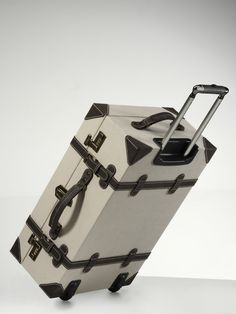 Travel in style! Mercedes-Benz collection suitcase.