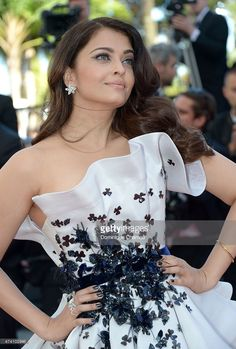 Aishwarya Rai Bachchan and Eva Longoria went viral with their selfie at Cannes and certainly made a mark during the film festival. Sonam Kapoor, Katrina Kaif, Bollywood Celebrities, Bollywood Actress, Bollywood Fashion, Mangalore, Cannes Film Festival 2015, Cannes 2015, Ralph & Russo