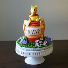 This is a pretty cute looking Winnie the Pooh cake.