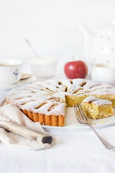 Simple Apple Cake with almonds and vanilla liqueur // Einfacher Apfelkuchen Baking Recipes, Cookie Recipes, Dessert Recipes, Desserts, German Cake, Biscuit Cake, Cake & Co, Sweet And Salty, I Love Food