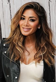 Nicole Scherzinger Never Has a Bad Hair Day - I love her brunette balayage here. Such a flattering cut and colour for her! Bad Hair Day, Jenifer Lopes, Nicole Scherzinger Hair, Native American Beauty, Female Singers, Wavy Hair, Cool Hairstyles, Hair Beauty, Celebs