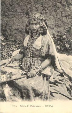Femme des Ouled Nail - Algérie