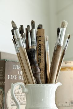 mad about paint brushes. Use an urn or vase. Brooms And Brushes, Vintage School, Enamel Paint, Drawing Tools, Paint Brushes, Medium Art, Belle Photo, Art Studios, Altered Art