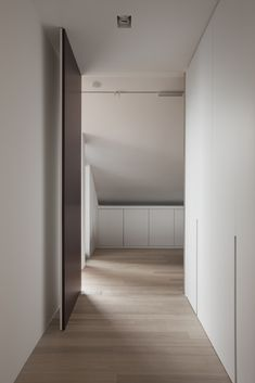 pivot door - Interior in Hooglede Belgium by Het Atelier