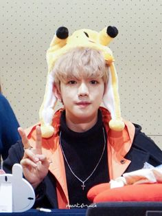 Lim Youngmin - MATCH UP Fansign - 180121 Cre: on pic