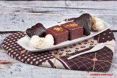 pralinki i pierniki, serce z materiału, Polish gingerbread selection : white chocolate, dark chocolate and gingerbread pralines