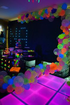 New Birthday Party Ideas For Teens Boys Teenagers Ideas Candy Theme Birthday Party, Neon Birthday, 13th Birthday Parties, Birthday Party For Teens, Sleepover Party, Birthday Goals, Sleepover Activities, Glow In Dark Party, Glow Stick Party