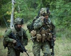 Canadian soldiers on exercises in Germany, Canadian Soldiers, Canadian Army, Canadian History, Military Special Forces, Military Police, Military Personnel, Royal Canadian Navy, Us Army, Armed Forces