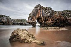 """Fotografía """"Las Cuevas del Mar""""- """"The Sea Caves"""" por Aitor de la Fuente en 500px"""