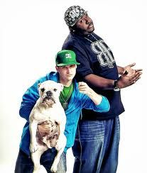 I'm enjoying my rob and big marathon today! I want a guy like Rob! He's talented, kind, cute, and hilarious! One of the greatest things a guy can have is a sense of humor! Rob And Big, Rob Dyrdek, The Artist Movie, Kind And Generous, Building For Kids, Celebrity Wallpapers, Belly Laughs, Film Books, Hd Picture