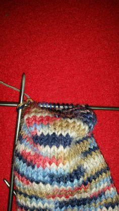 Socken stricken – Knitting patterns, knitting designs, knitting for beginners. Odd Molly, Knitting Socks, Free Knitting, Knit Socks, Knitted Blankets, Knitted Hats, Baby Blog, Knitting For Beginners, Beginner Crochet