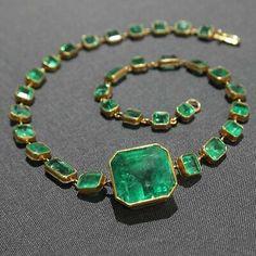 Jewelry Box, Jewelry Accessories, Jewelry Necklaces, Fine Jewelry, Jewelry Design, Jewelry Stores, Jewellery Shops, Gems Jewelry, Gold Jewellery