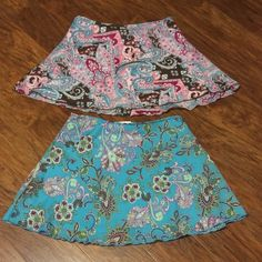 FLORAL PRINT SKIRT BUNDLE 2 pretty junior skirts with gorgeous vibrant colors. Like new both are lined Skirts